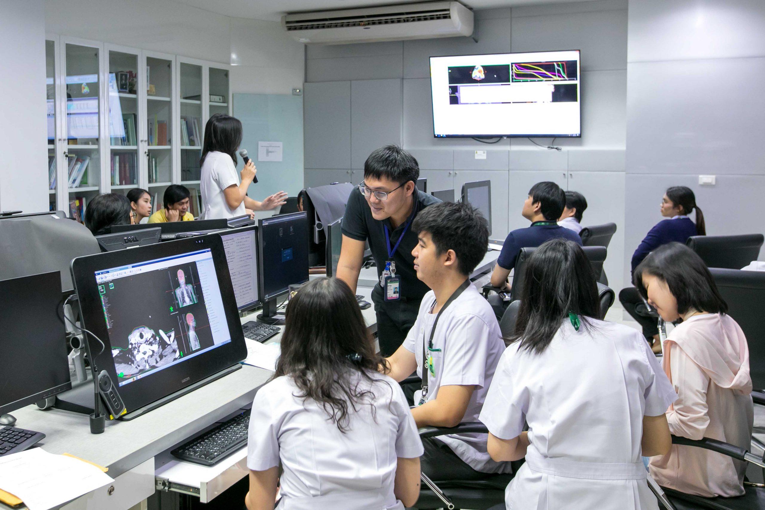 2562-07-23_ถ่ายภาพเครื่องมือและห้องปฏิบัติการเพื่อจัดทำ website photo by Photographer Team